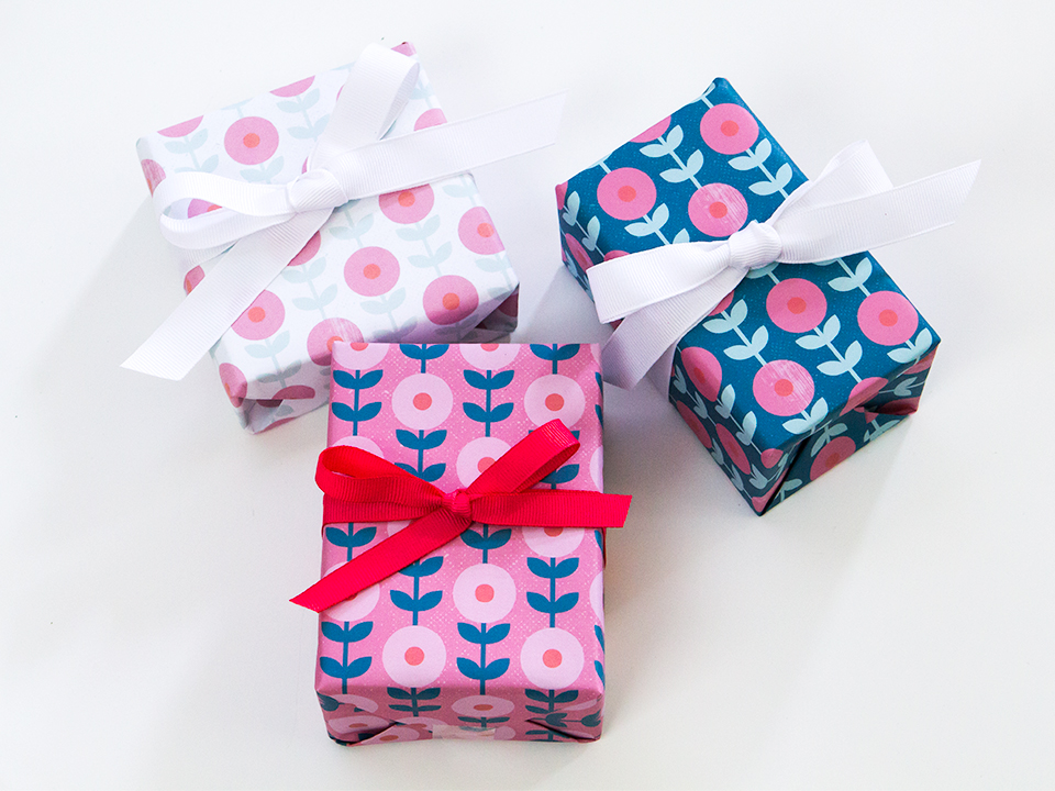 mod-floral-gift-wrap-4